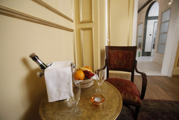 Champagne and Fruit Bowl Gellert Spa Private Bath