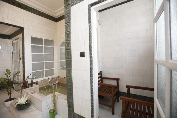 Heated Cabin in Gellert Spa Private Bath
