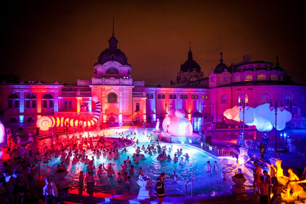 Szechenyi Bath Pool Party Budapest Perfect 2015